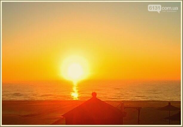 Незабутній світанок піднімається  над зимовим Азовським морем у Кирилівці, фото-2