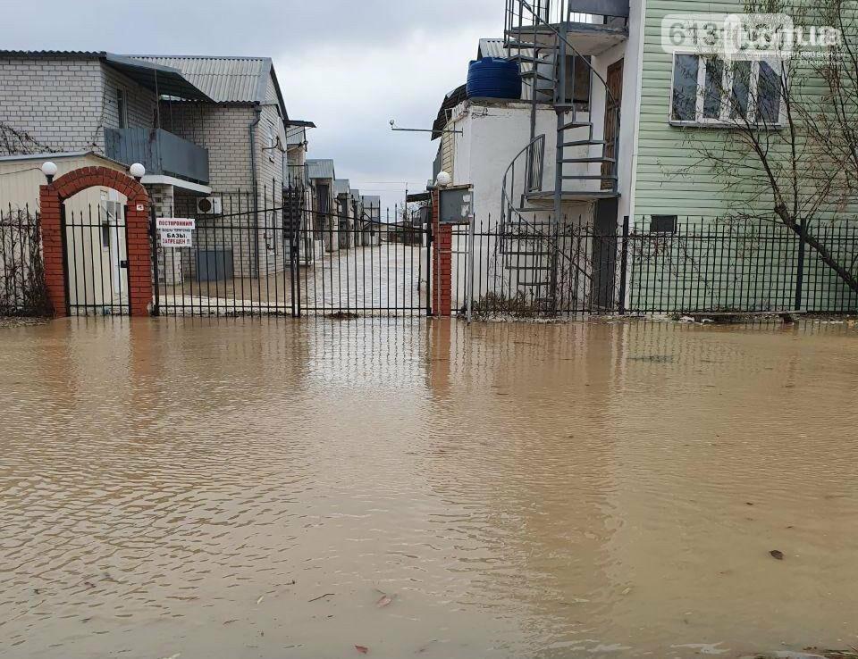У Кирилівці з вулиць вода зійшла та коси залишаються затопленими, фото-1