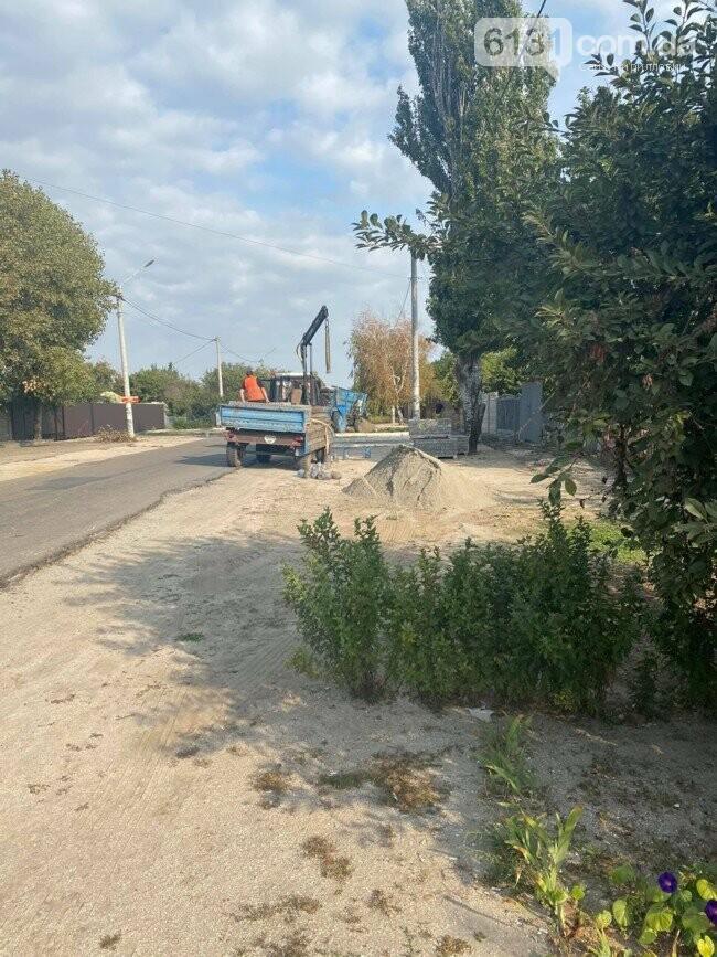 У Кирилівці споруджують чергову пішхідну доріжку, фото-2