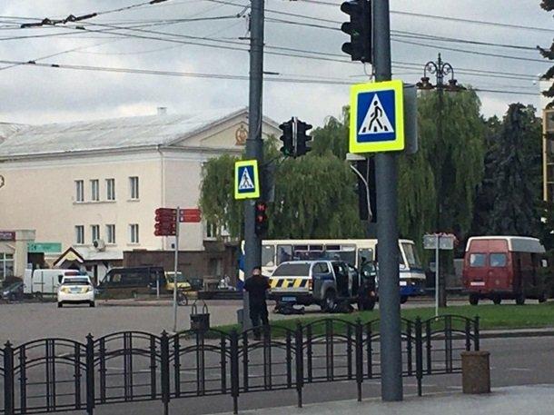 В центре города захвачен автобус